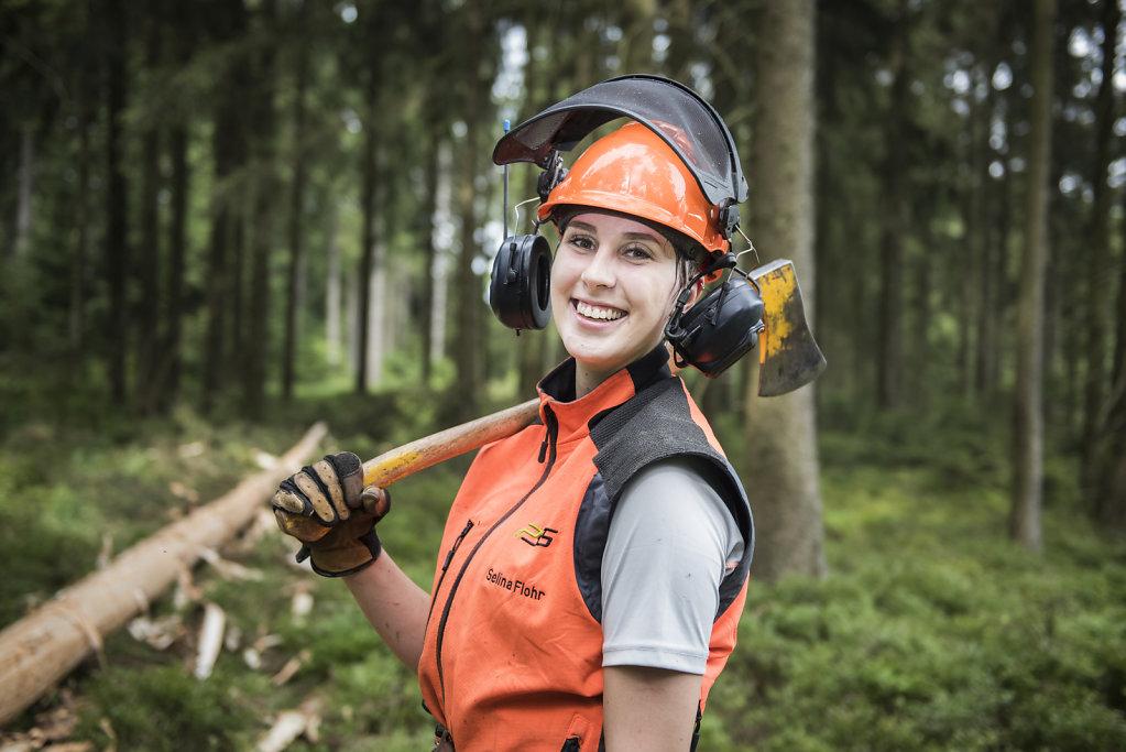 Forstwirtschaft Forstwirtin